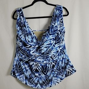 Swimsuits For All Tanking Swim Top,  NWT